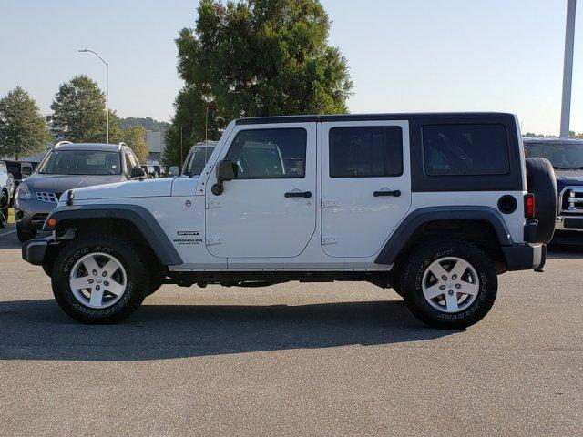Pre-Owned 2014 Jeep Wrangler Unlimited 4WD 4dr Sport
