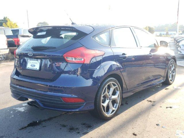 Pre-Owned 2016 Ford Focus 5dr HB ST
