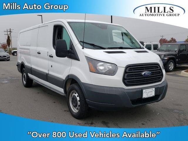 Pre-Owned 2017 Ford Transit T-150 148 Low Rf 8600 GVWR Swing-O
