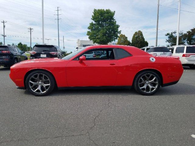 Pre-Owned 2015 Dodge Challenger 2dr Cpe SXT