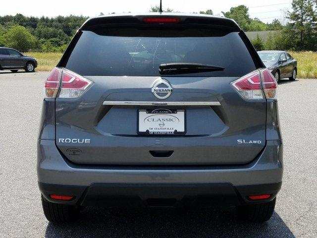 Pre-Owned 2015 Nissan Rogue AWD 4dr SL