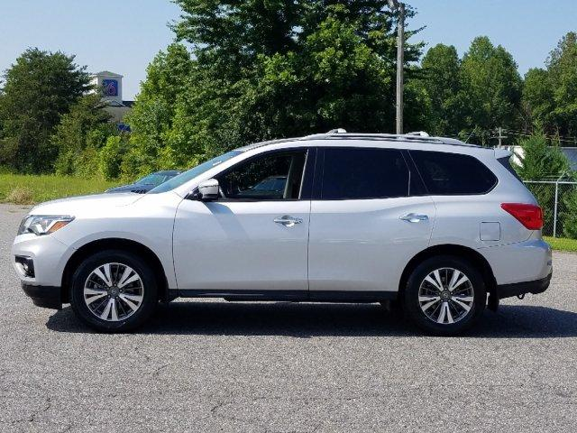 Pre-Owned 2017 Nissan Pathfinder FWD SV