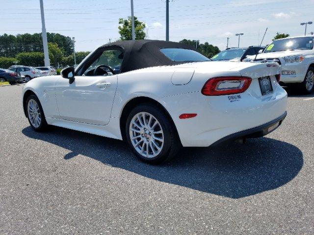 Pre-Owned 2018 FIAT 124 Spider Classica Convertible